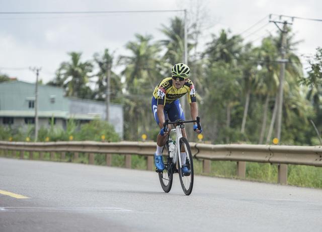 ẢNH: Những khoảnh khắc ấn tượng chặng 7 Giải xe đạp VTV Cúp Tôn Hoa Sen 2020 - Ảnh 5.
