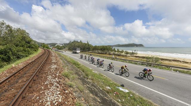 ẢNH: Những khoảnh khắc ấn tượng chặng 7 Giải xe đạp VTV Cúp Tôn Hoa Sen 2020 - Ảnh 14.
