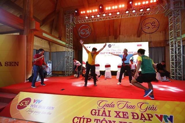 Gala Giải xe đạp VTV Cúp Tôn Hoa Sen 2020 - Ảnh 1.