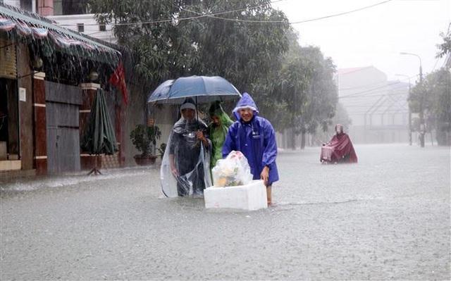 Trung Bộ mưa dông diện rộng, cảnh báo lũ quét, sạt lở đất và ngập úng từ Nghệ An đến Phú Yên - Ảnh 2.