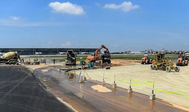 Đề xuất rút ngắn thời gian đóng cửa sửa chữa đường băng sân bay Nội Bài - Ảnh 1.