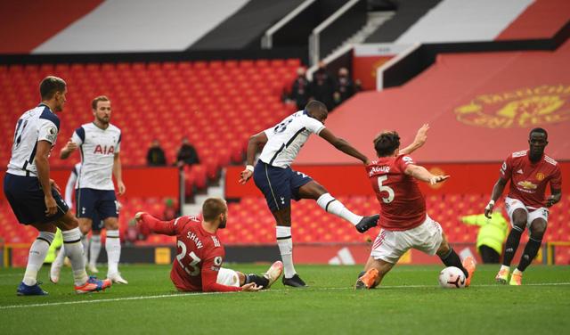 Man Utd 1-6 Tottenham: Thảm họa tại Nhà hát của những giấc mơ - Ảnh 2.