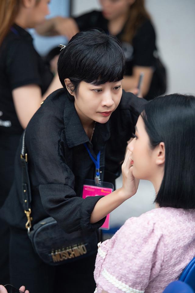 Loạt ảnh mặt mộc của thí sinh Bán kết Hoa hậu Việt Nam 2020 - Ảnh 13.