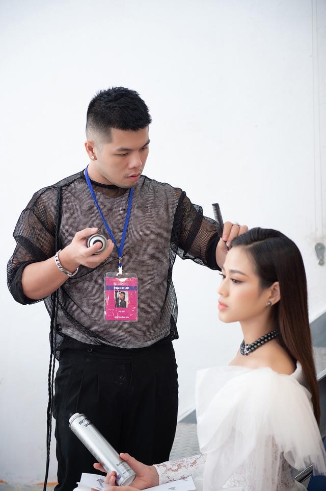 Loạt ảnh mặt mộc của thí sinh Bán kết Hoa hậu Việt Nam 2020 - Ảnh 12.