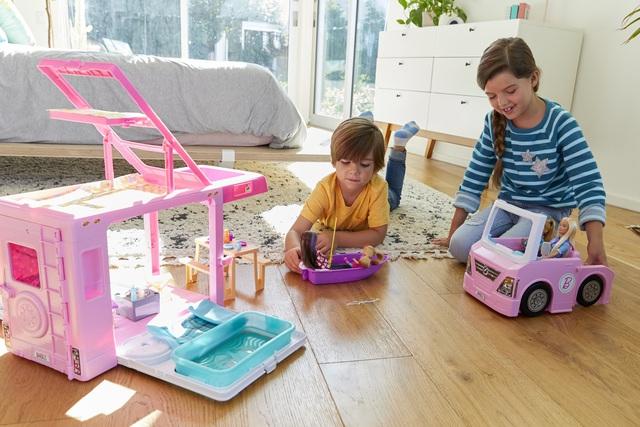Chơi búp bê giúp trẻ em phát triển sự đồng cảm và kỹ năng xã hội - ảnh 2