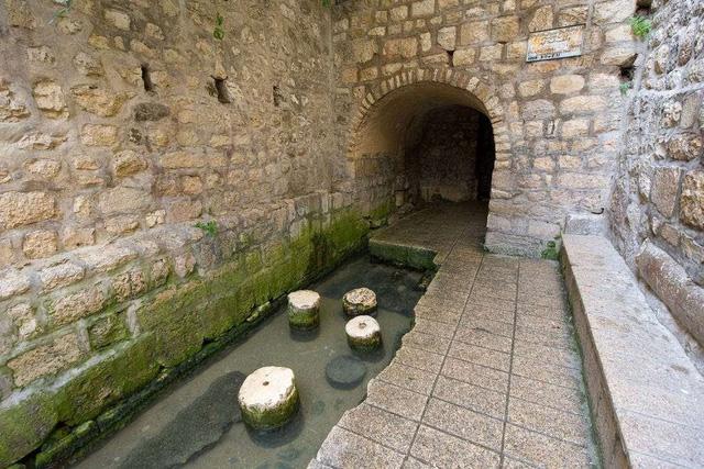 """Choáng váng với kiến trúc của 10 đường hầm """"độc lạ"""" nhất thế giới - ảnh 10"""