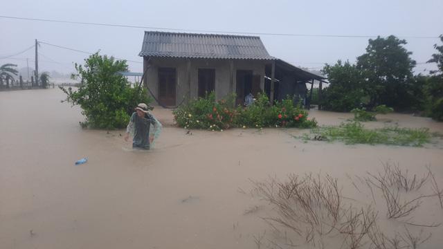 Mưa lũ nhấn chìm nhiều khu vực tại Quảng Trị - Ảnh 7.