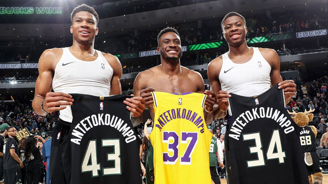 Khi ngôi sao bóng rổ xuất hiện ở game… bóng bầu dục - Ảnh 1.