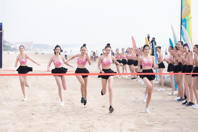 Thí sinh Hoa hậu Việt Nam 2020 sở hữu 10 huy chương bơi lội - Ảnh 4.
