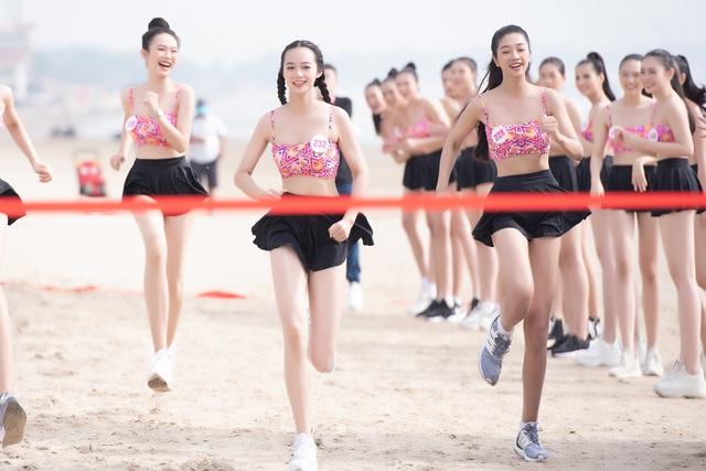 Thí sinh Hoa hậu Việt Nam 2020 sở hữu 10 huy chương bơi lội - Ảnh 3.
