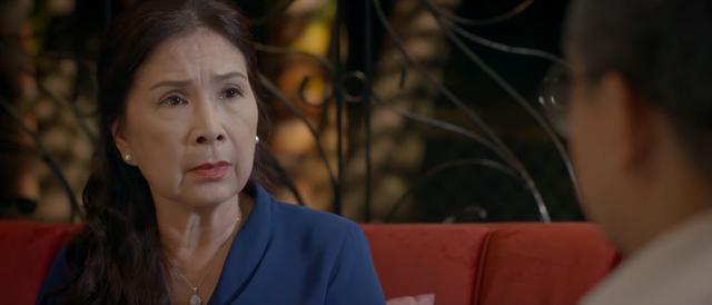 Trói buộc yêu thương - Tập 23: Ông Phong bị công an triệu tập, bà Lan ngỡ ngàng phát hiện có kẻ đâm sau lưng - Ảnh 5.