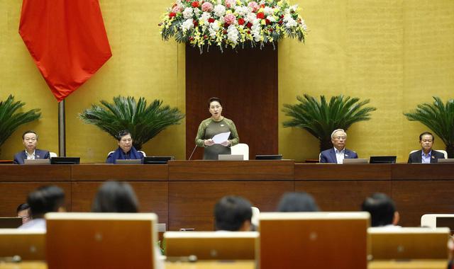 Chủ tịch Quốc hội: Phiên chất vấn diễn ra dân chủ, thẳng thắn, tranh luận sôi nổi - Ảnh 4.