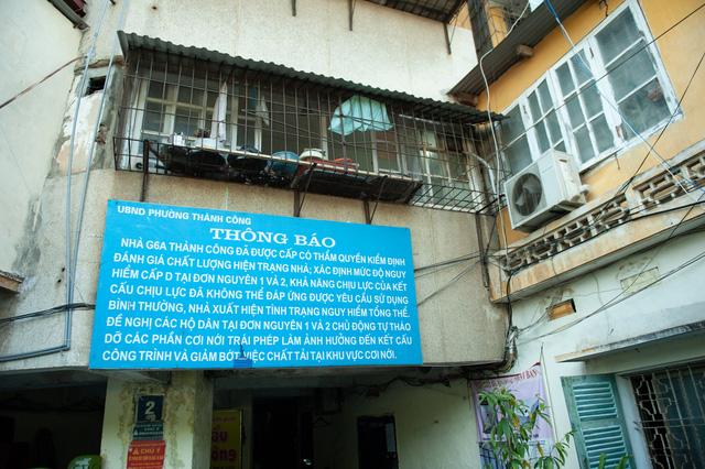 Hà Nội: Di dời hộ dân ra khỏi các nhà chung cư cũ nguy hiểm - Ảnh 2.
