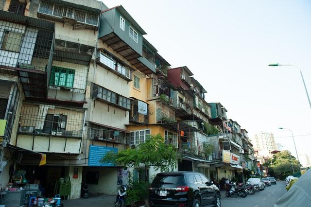 Hà Nội: Di dời hộ dân ra khỏi các nhà chung cư cũ nguy hiểm - Ảnh 1.