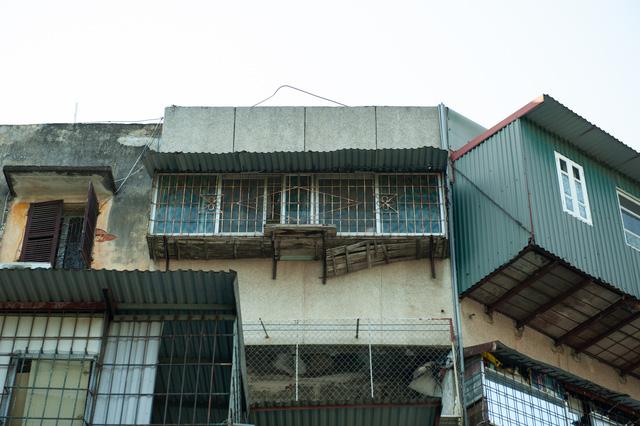Hà Nội: Di dời hộ dân ra khỏi các nhà chung cư cũ nguy hiểm - Ảnh 3.