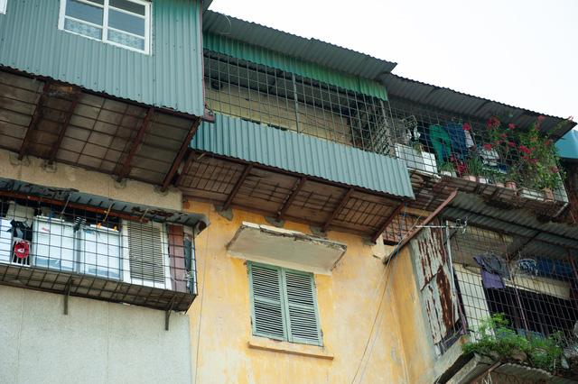Hà Nội: Di dời hộ dân ra khỏi các nhà chung cư cũ nguy hiểm - Ảnh 4.