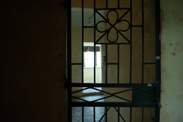 Hà Nội: Di dời hộ dân ra khỏi các nhà chung cư cũ nguy hiểm - Ảnh 8.