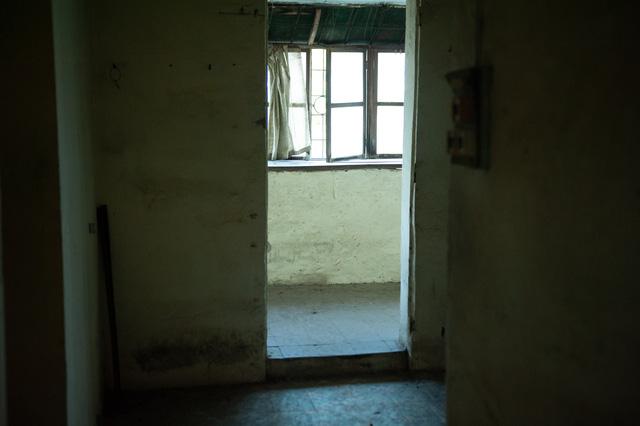 Hà Nội: Di dời hộ dân ra khỏi các nhà chung cư cũ nguy hiểm - Ảnh 9.