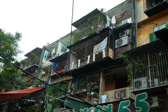 Hà Nội: Di dời hộ dân ra khỏi các nhà chung cư cũ nguy hiểm - Ảnh 10.