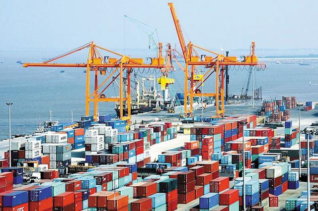 Khan hiếm container rỗng, nhiều doanh nghiệp xuất khẩu gặp khó - Ảnh 2.