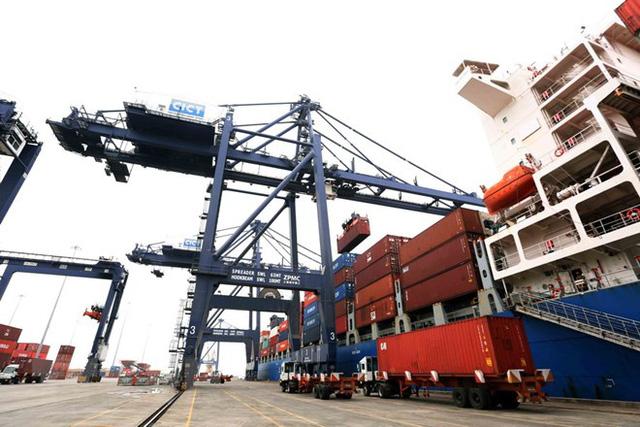 Khan hiếm container rỗng, nhiều doanh nghiệp xuất khẩu gặp khó - Ảnh 1.