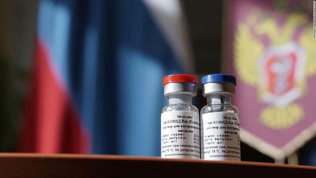 Tông thống Nga Putin phát lệnh tiêm vaccine COVID-19 diện rộng - Ảnh 1.