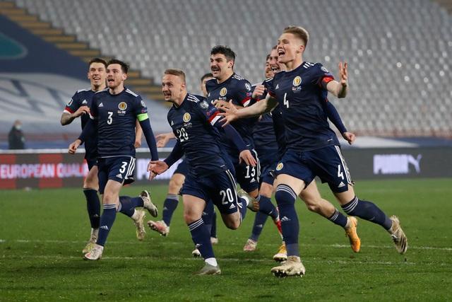 Xác định 4 đội tuyển cuối cùng giành quyền tham dự VCK EURO 2020 - Ảnh 2.