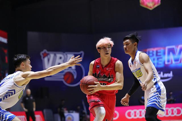 VBA 2020 - Game 35: Thang Long Warriors sớm giành vé dự Playoffs - Ảnh 2.