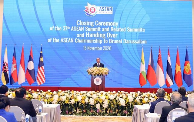 Bế mạc Hội nghị Cấp cao ASEAN 37: Việt Nam chuyển giao vai trò Chủ tịch ASEAN cho Brunei - ảnh 1