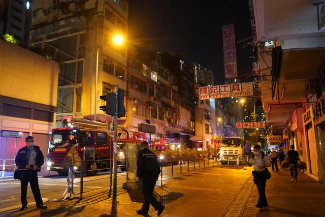 Hỏa hoạn tại nhà hàng ở Hong Kong (Trung Quốc), ít nhất 7 người thiệt mạng - Ảnh 1.