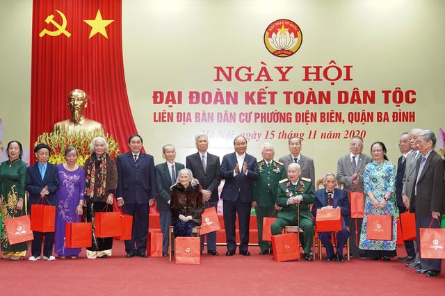 Thủ tướng Nguyễn Xuân Phúc: Thịnh vượng và phát triển – Quyết chí ắt làm nên - Ảnh 2.