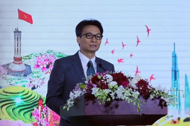 Deputy PM Vu Duc Dam speaks at the conference. (Photo: VGP)