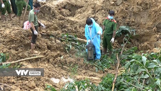 Đã tìm thấy thi thể nạn nhân trong vụ sạt lở đất tại xã Trà Tân, Bắc Trà My - Ảnh 2.