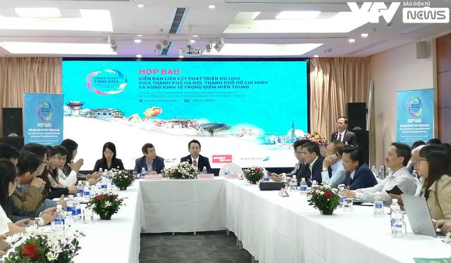 """Hà Nội, TP.HCM và 5 tỉnh miền Trung """"hợp lực"""" phát triển du lịch - Ảnh 1."""