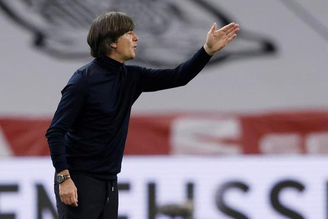 Thảm bại trước ĐT Tây Ban Nha, HLV Joachim Low vẫn được tin tưởng - Ảnh 3.