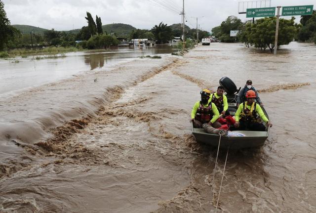 Bão Iota đổ bộ gây lũ lụt và lở đất nghiêm trọng tại Trung Mỹ, hơn 30 người thiệt mạng - Ảnh 2.