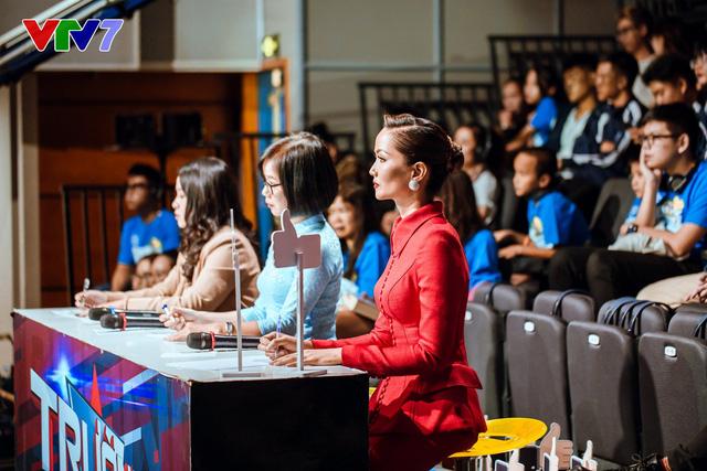 HHen Niê rạng rỡ làm giám khảo Trường Teen 2020 - Ảnh 1.