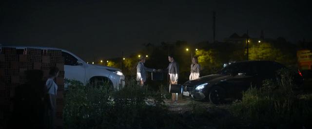 Trói buộc yêu thương - Tập 27: Tiến quỳ gối xin nhân tình, bà Lan thua đau - Ảnh 11.