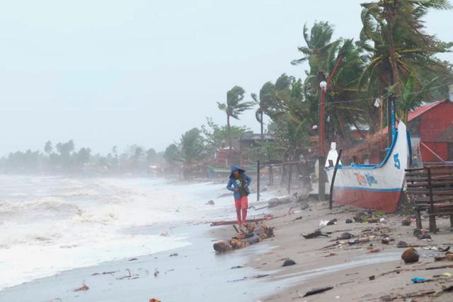 Hình ảnh Phillipines đổ nát, tan hoang do siêu bão mạnh nhất thế giới Goni - Ảnh 7.