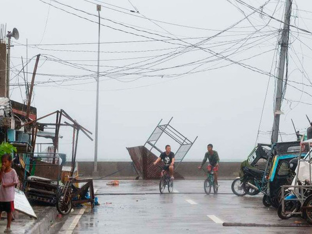 Hình ảnh Phillipines đổ nát, tan hoang do siêu bão mạnh nhất thế giới Goni - Ảnh 6.