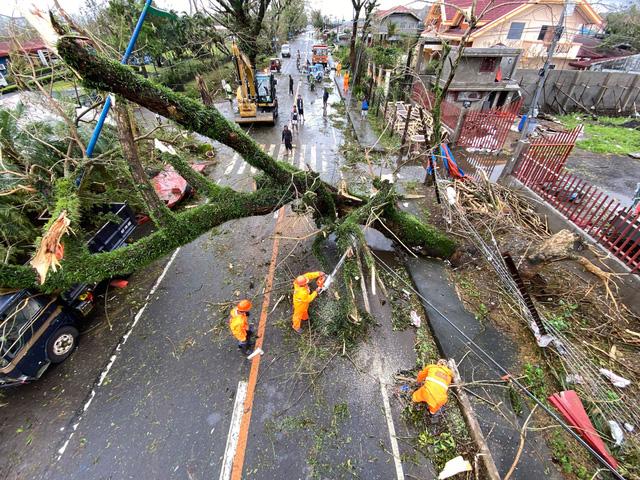 Hình ảnh Phillipines đổ nát, tan hoang do siêu bão mạnh nhất thế giới Goni - Ảnh 1.