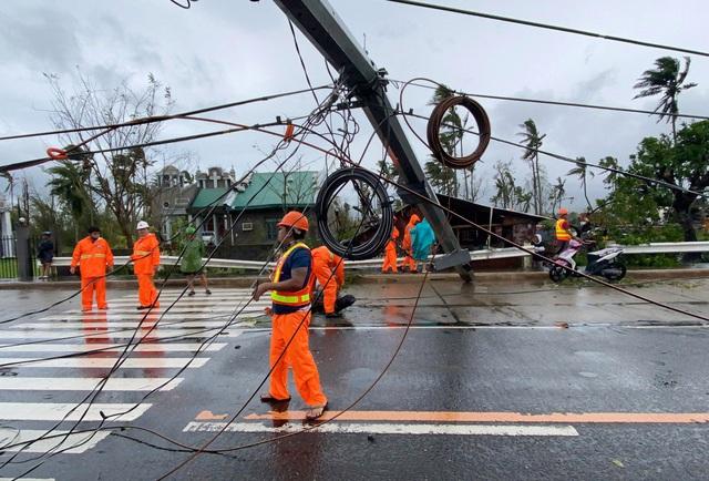 Hình ảnh Phillipines đổ nát, tan hoang do siêu bão mạnh nhất thế giới Goni - Ảnh 3.
