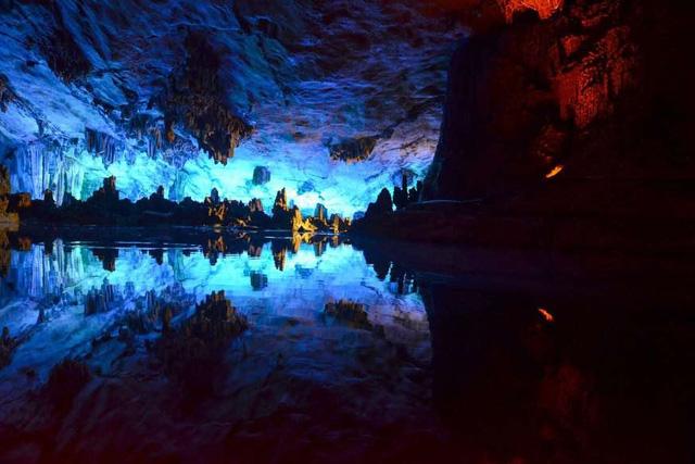 """Khám phá 10 hồ nước ngầm """"đẹp kỳ ảo"""" trên thế giới - Ảnh 4."""