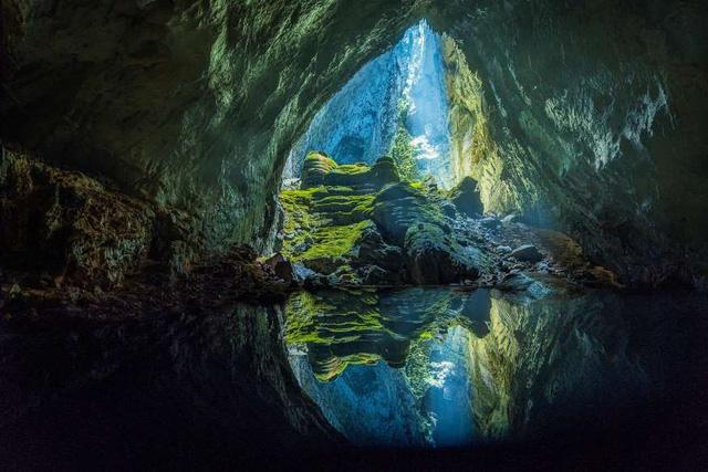 """Khám phá 10 hồ nước ngầm """"đẹp kỳ ảo"""" trên thế giới - Ảnh 7."""