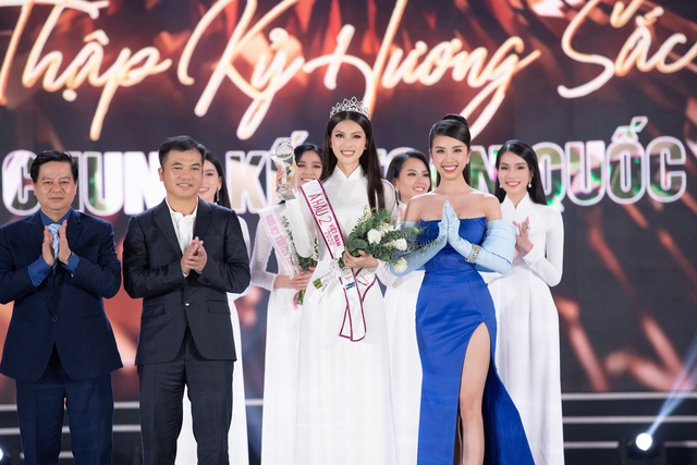 Nhan sắc và học vấn đỉnh của hai Á hậu Việt Nam 2020 - Ảnh 20.