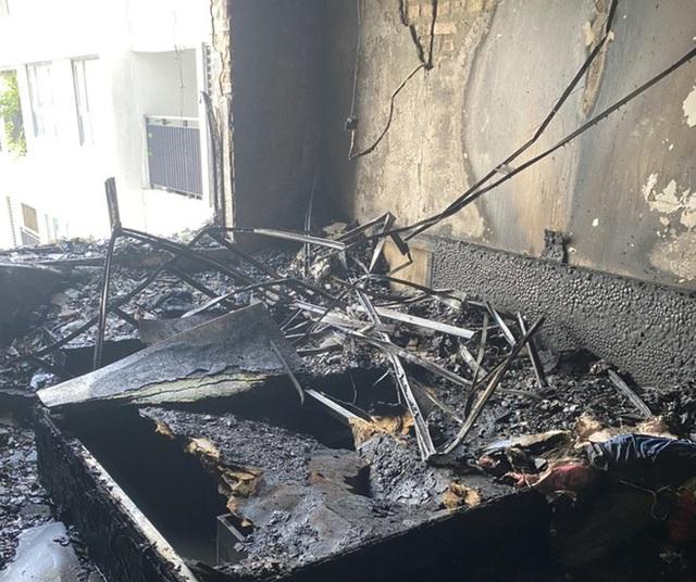 Hà Nội: Cháy chung cư, nhiều người bỏ chạy - Ảnh 1.