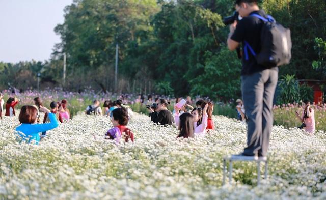 Thời tiết Hà Nội nắng ráo dịp cuối tuần - Ảnh 2.