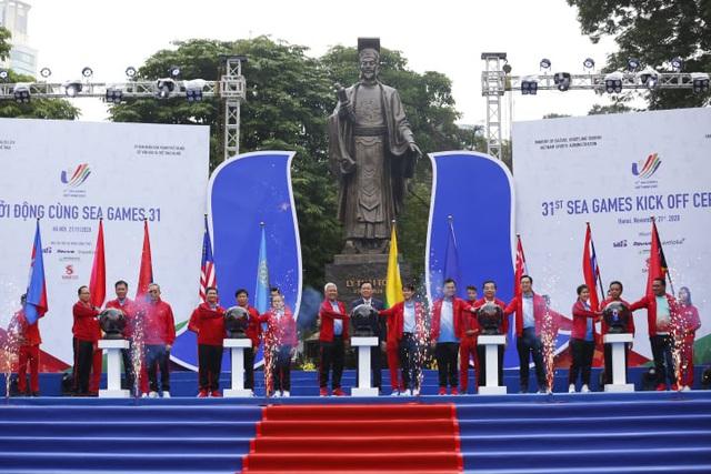 Lễ Khởi động cùng SEA Games 31 tại Hà Nội diễn ra trang trọng - Ảnh 3.