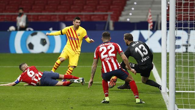 Atletico Madrid 1-0 Barcelona: Messi im tiếng, Barcelona thua trận thứ 3 trong mùa giải - Ảnh 2.