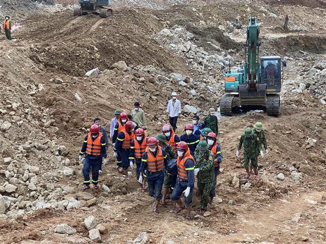 Tìm thấy thi thể 1 công nhân mất tích tại lòng sông Rào Trăng - Ảnh 4.